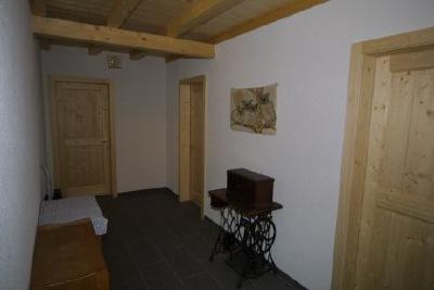 Gang - Kombinationen weisse Wände - Holztüren